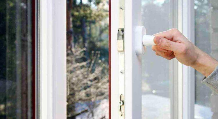 Почему стоит выбирать пластиковые окна для дома?